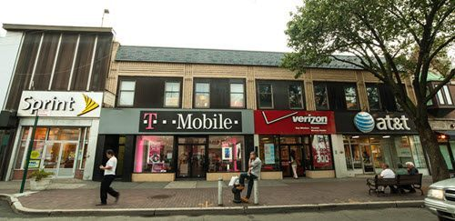 T-Mobile, Sprint mull merger in bid to survive price war