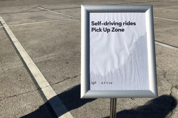 Dude, where's my self-driving car? A Lyft letdown at CES